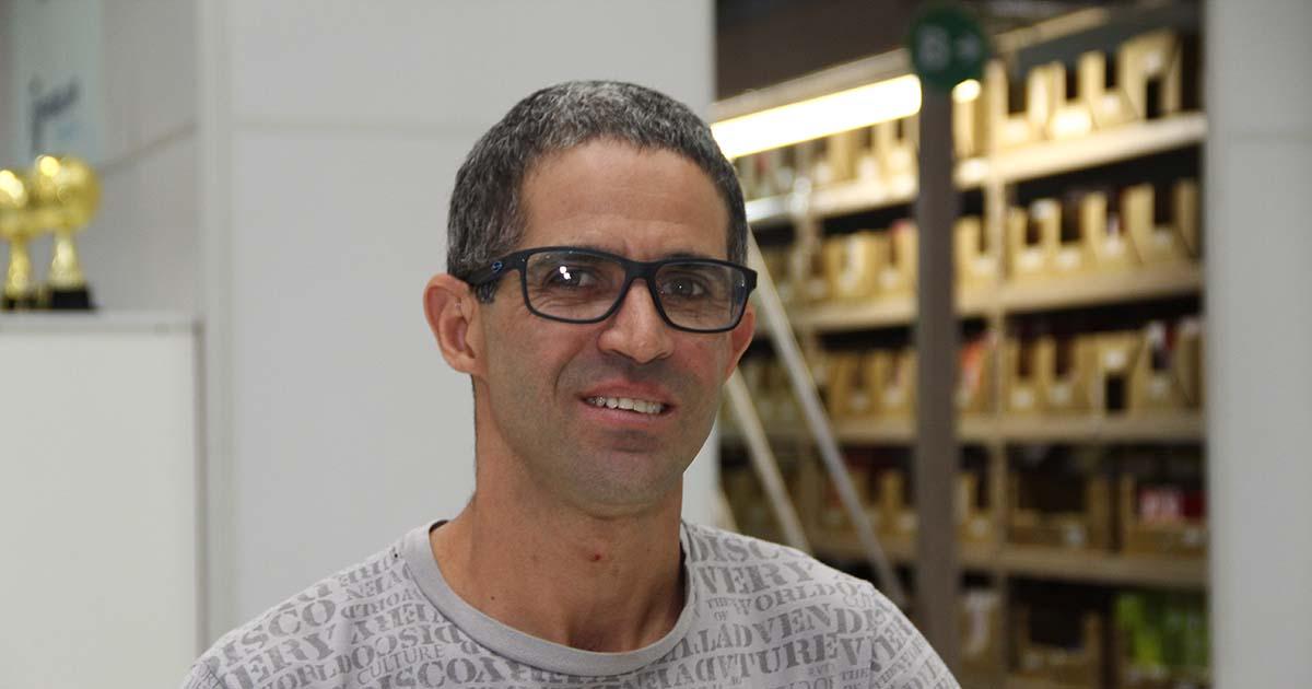 Técnico em refrigeração Gilberto do Nascimento na Frigelar da Alameda Glete
