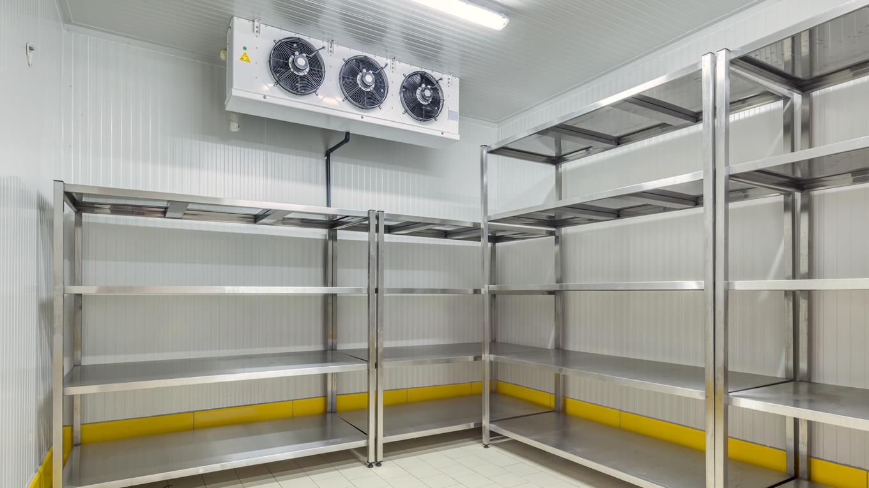Interior de câmara frigorífica